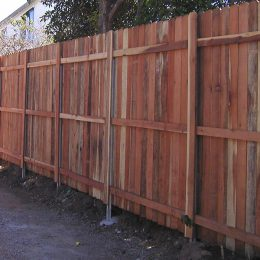 Redwood With Postmaster® Posts