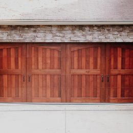 CARRIAGE HOUSE CUSTOM WOOD SECTIONAL DOOR