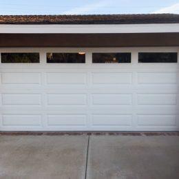 STANDARD STEELL SECTIONAL GARAGE DOOR