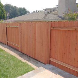 "Con-Heart Redwood ""Good Neighbor "" Fence"